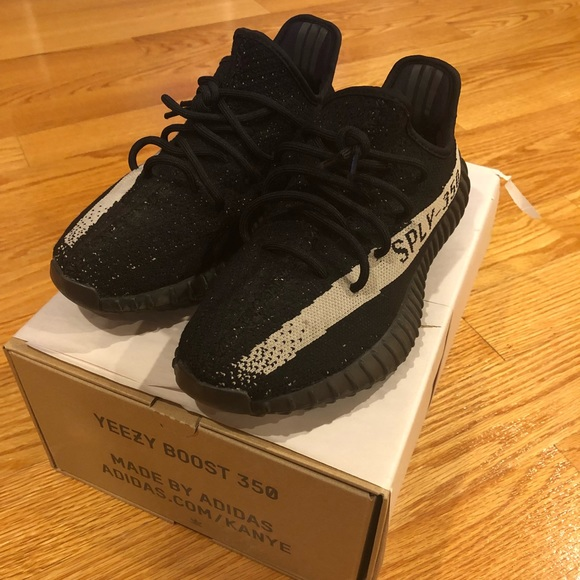 a8683c52b0c Yeezy 350 v2 BRED review unboxing and Sizing info!